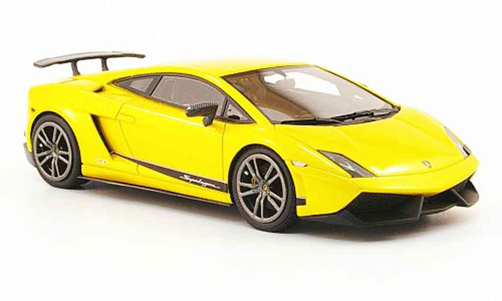 Lamborghini Gallardo LP570-4 1/43 Look Smart superleggera jaune 2010 miniature