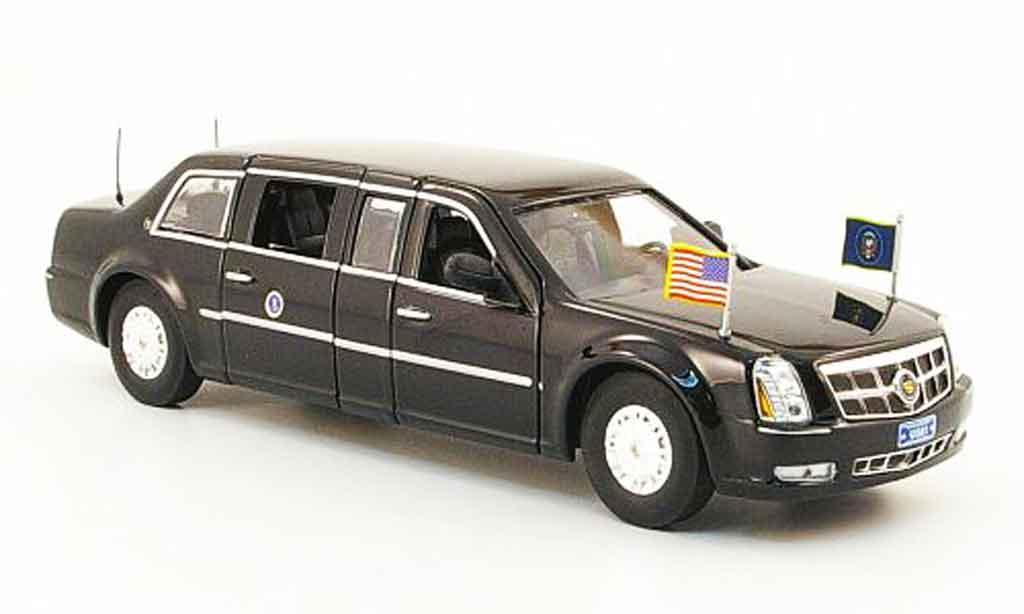 Cadillac DTS 1/43 Luxury Die Cast Presidential Limousine noire 2009 miniature