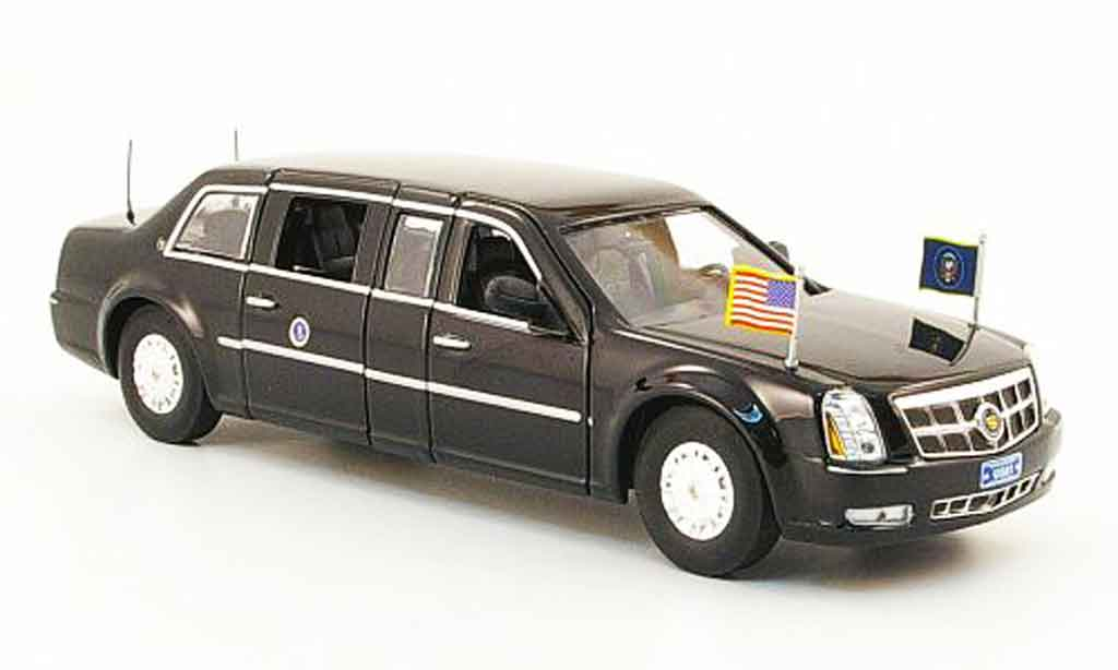Cadillac DTS 1/43 Luxury Die Cast Presidential Limousine noire 2009