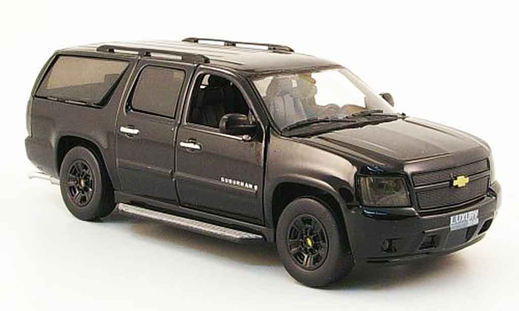 Chevrolet Suburban 1/43 Luxury Die Cast noire Blackout Edition 2009 2010 miniature