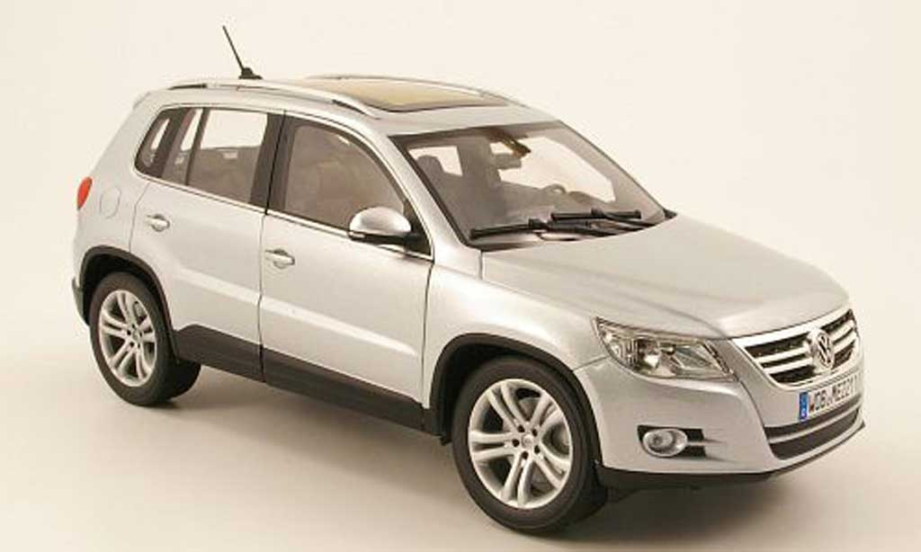 volkswagen tiguan miniature grise 2007 norev 1 18 voiture. Black Bedroom Furniture Sets. Home Design Ideas