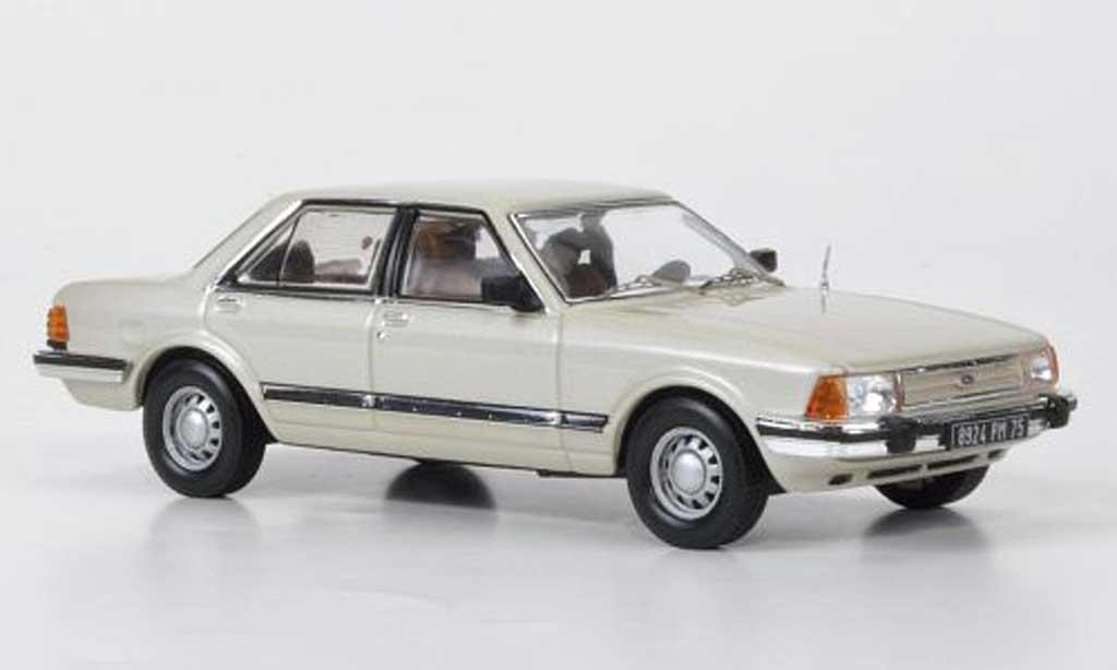 Ford Granada 1/43 IXO MKII beige 1982 miniature