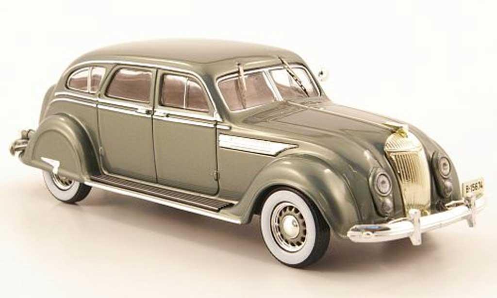 Chrysler Airflow 1/43 IXO Sedan grise-verte 1936 miniature