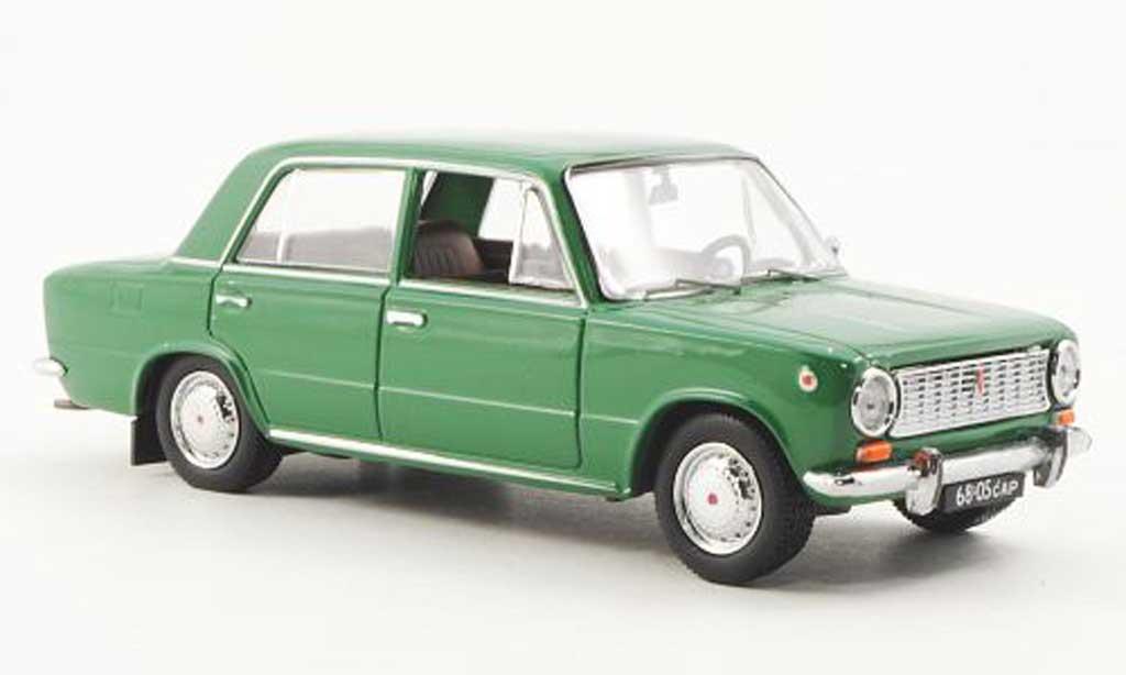 Lada Shiguli 1/43 IST Models 2101 verte (VAZ) 1971 miniature