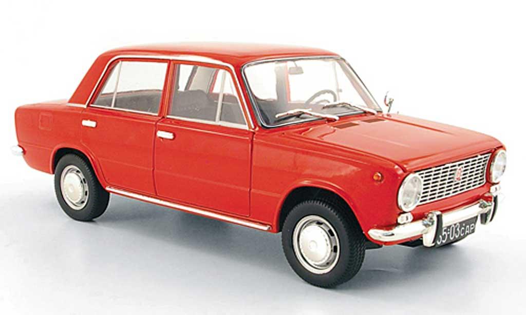 Lada 1200 1/18 IST Models rouge 1971 miniature