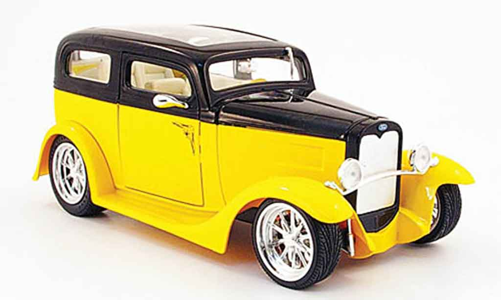 Ford Model A 1/18 Yat Ming sedan yellow/black avec panoramadach 1931 diecast model cars