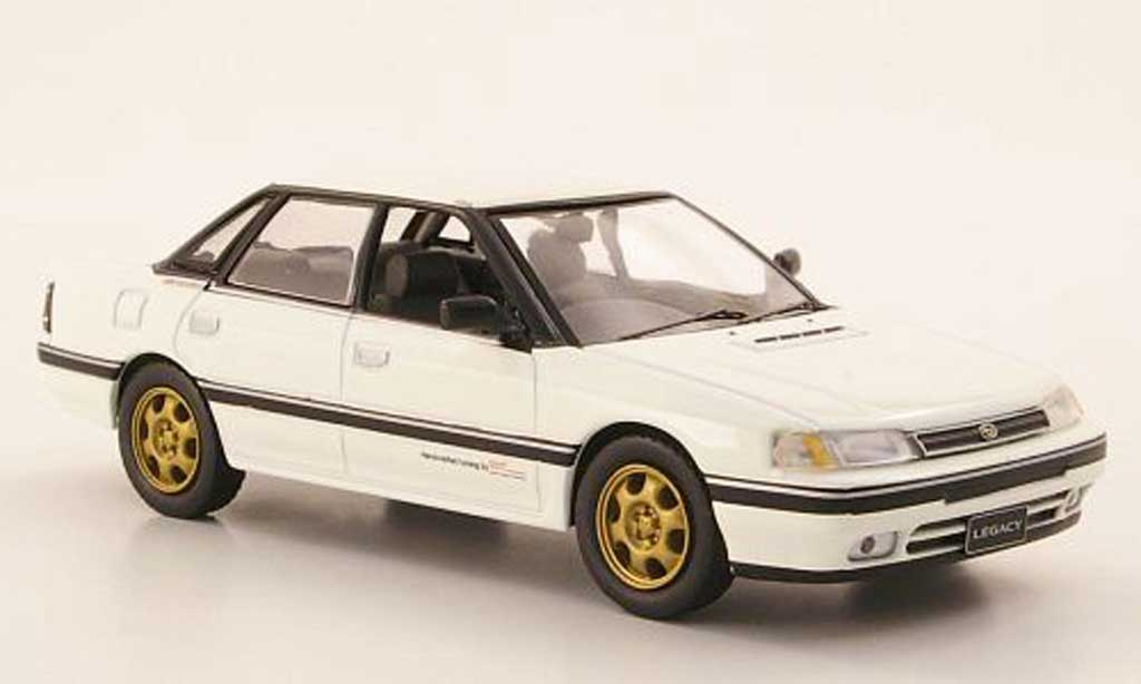 Subaru Legacy RS Turbo 1/43 IXO 2.0 Type RA blanche 1989 miniature