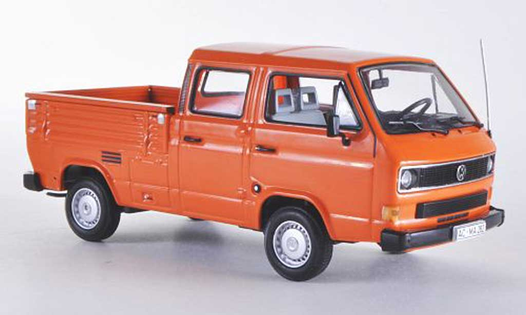 Volkswagen T3 1/43 Minichamps Doka-Pritsche orange 1983 miniature