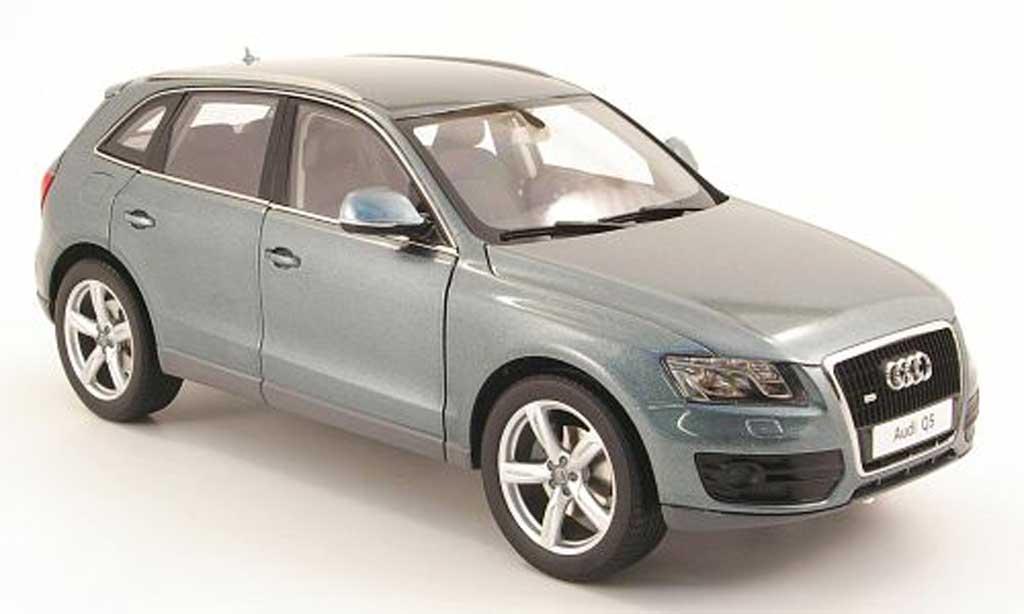 Audi Q5 1/18 Kyosho bleu ciel miniature