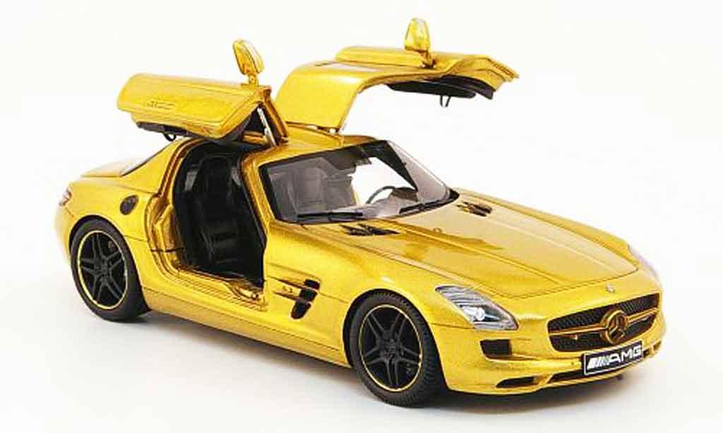 Mercedes SLS 1/43 Spark AMG or avec geoffneten Turen 2010 diecast model cars