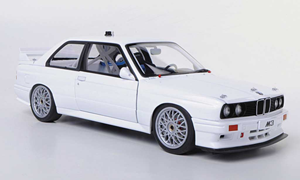 Bmw M3 E30 1/18 Autoart DTM white Plain Body Version diecast model cars