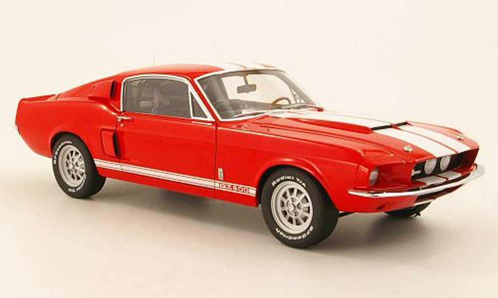 Shelby GT 500 1967 1/18 Autoart rouge mit blancheen Streifen miniature
