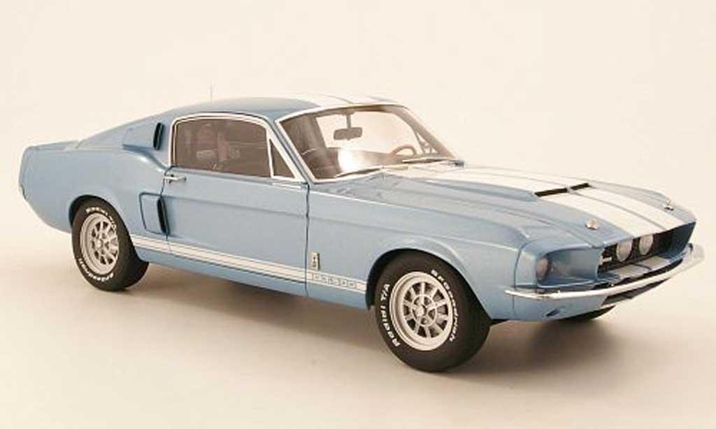 Shelby GT 500 1967 1/18 Autoart bleu mit blancheen Streifen miniature