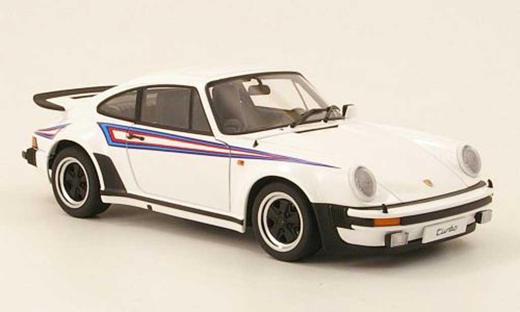 Porsche 930 Turbo 1/18 Autoart 3.0 blanche avec deco type martini 1975 miniature