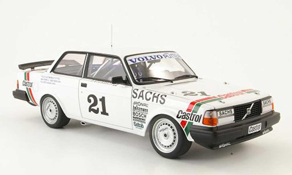Volvo 240 1/18 Autoart turbo no.21 sieger dtm champions 1985 miniature