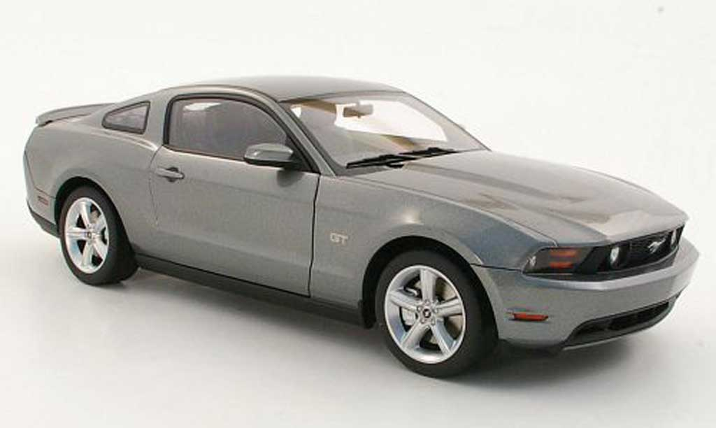Ford Mustang 2010 1/18 Autoart GT grise miniature