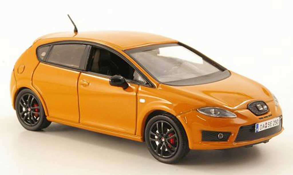 Seat Leon Cupra 1/43 Hachette R orange diecast model cars
