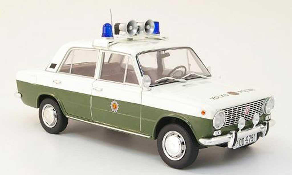 Lada 1200 1/18 IST Models volkspolizei miniature