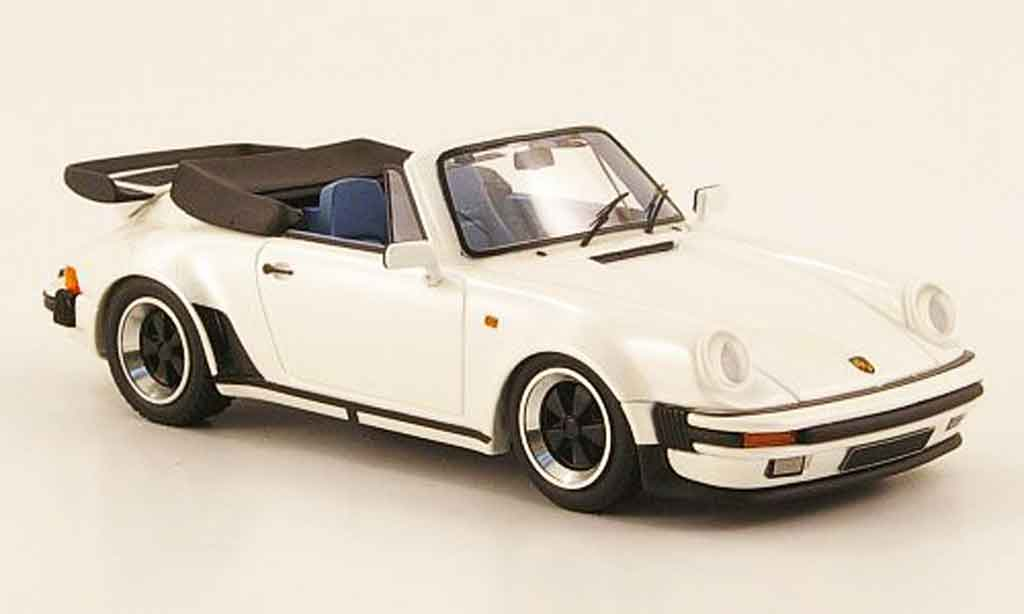 Miniature Porsche 911 Turbo Carrera Cabriolet (Turbo Look) blanche Look Smart. Porsche 911 Turbo Carrera Cabriolet (Turbo Look) blanche miniature 1/18