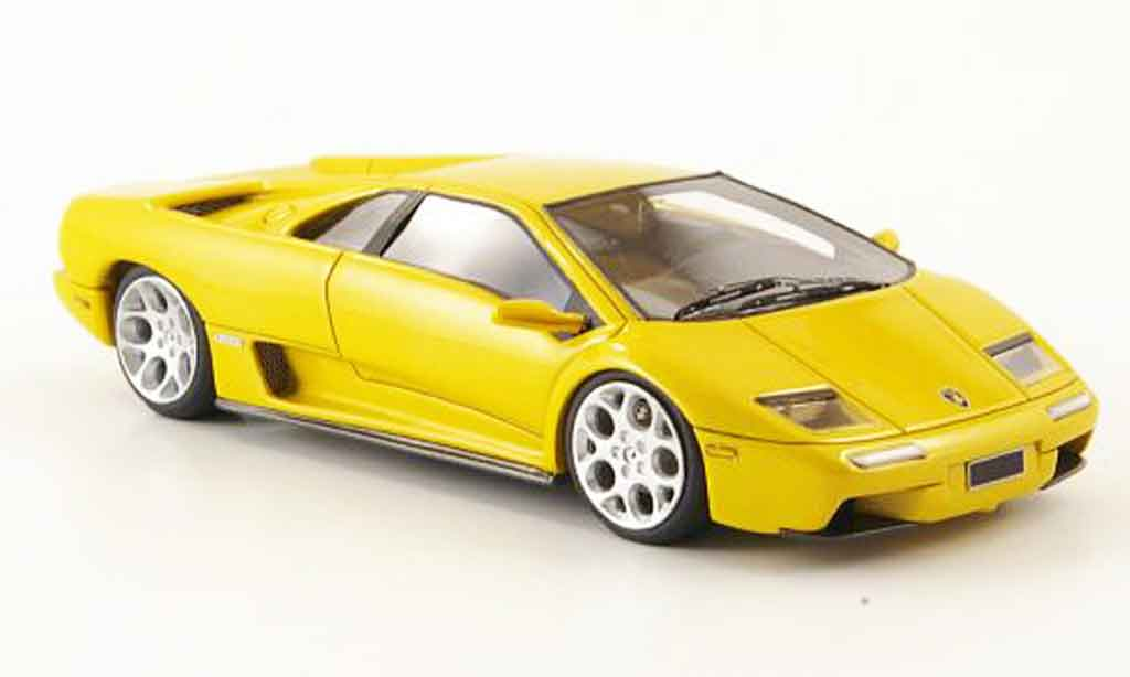 Lamborghini Diablo 6.0 1/43 Look Smart yellow 2001 diecast model cars