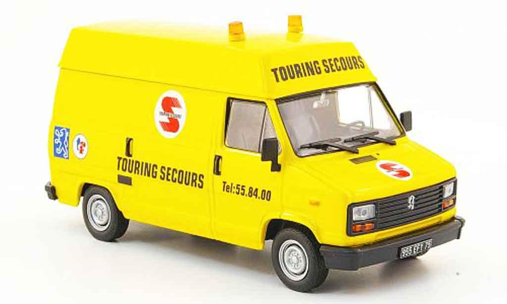 Peugeot J5 1/43 IXO touring secours miniature