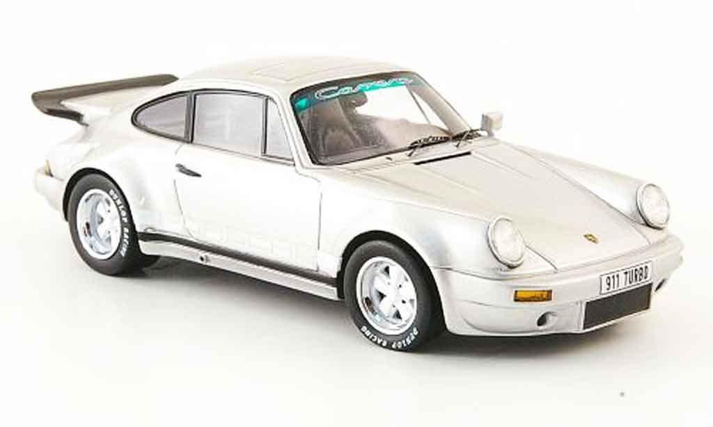 Porsche 930 Turbo 1/43 Spark Carrera grise metallisee avec blancheen Streifen 1974 miniature