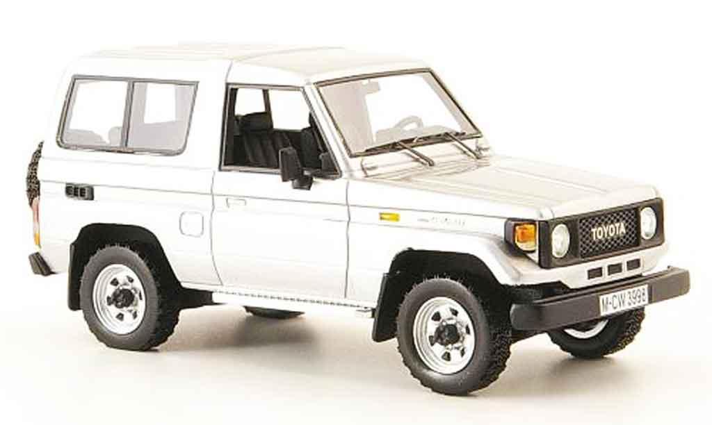 Miniature Toyota Land Cruiser grise metallisee liavec. auflage 300 1985 Neo. Toyota Land Cruiser grise metallisee liavec. auflage 300 1985 miniature 1/43