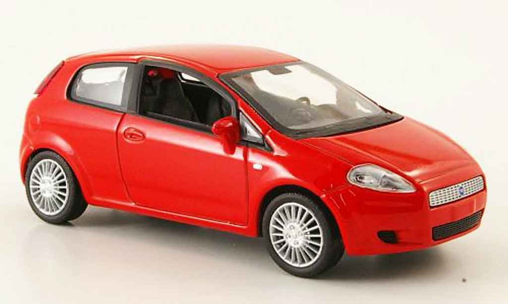 fiat punto grande rot mcw modellauto 1 43 kaufen verkauf modellauto online. Black Bedroom Furniture Sets. Home Design Ideas