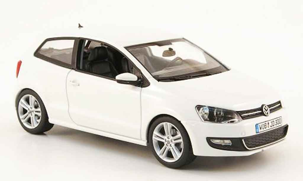 volkswagen polo 2009 miniature blanche schuco 1 43 voiture. Black Bedroom Furniture Sets. Home Design Ideas