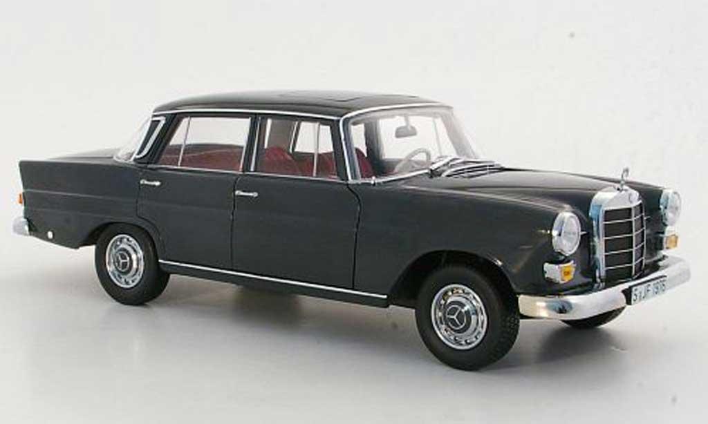 Mercedes 200 1/18 Norev (W110) grise 1966 miniature
