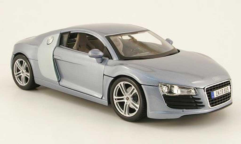 Audi R8 5.2 FSI 1/18 Maisto grise clair