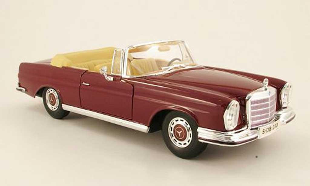 Mercedes 280 1966 1/18 Maisto se cabriolet (w111) rouge miniature