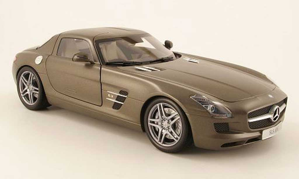mercedes sls coupe amg c197 matt grau 2010 minichamps modellauto 1 18 kaufen verkauf. Black Bedroom Furniture Sets. Home Design Ideas