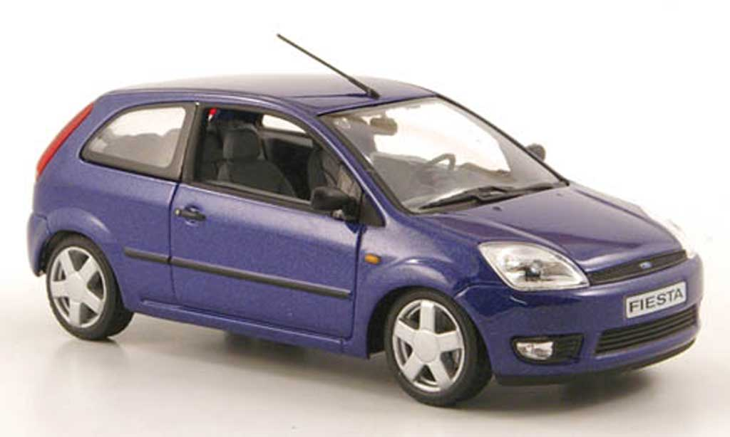 ford fiesta 2002 miniature bleu 3 portes minichamps 1 43 voiture. Black Bedroom Furniture Sets. Home Design Ideas