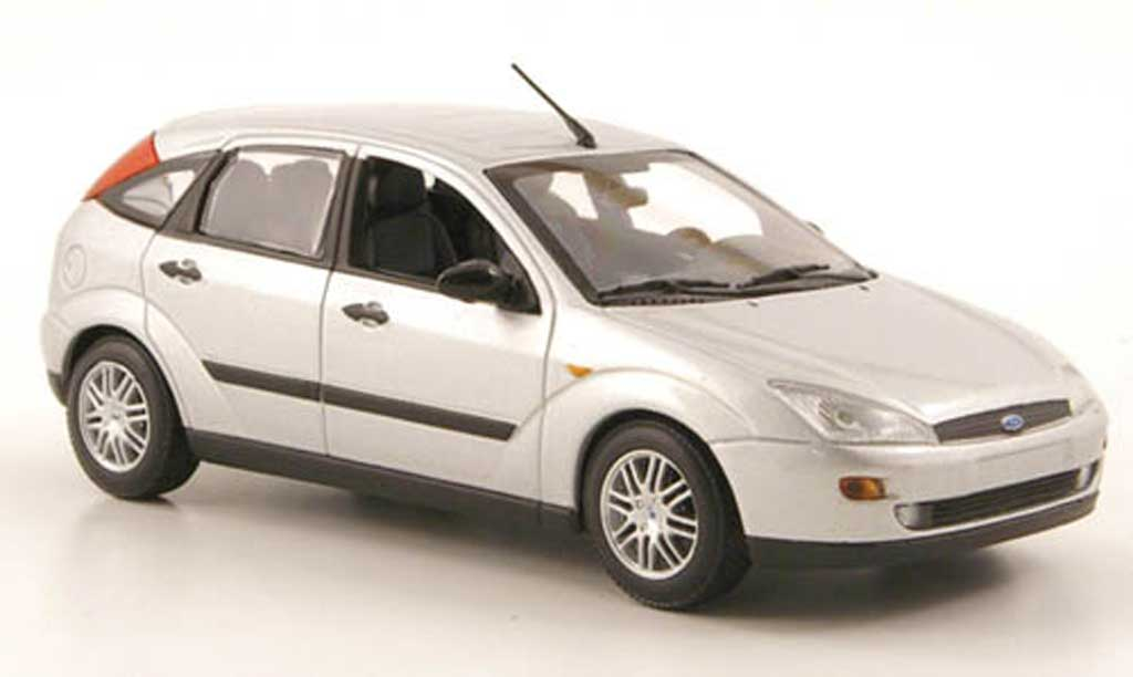 Ford Focus 1/43 Minichamps grise 5-portes 2002 miniature