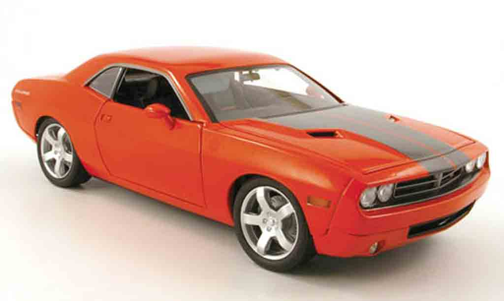 Dodge Challenger Concept 1/18 Highway 61 orange 2005 miniature