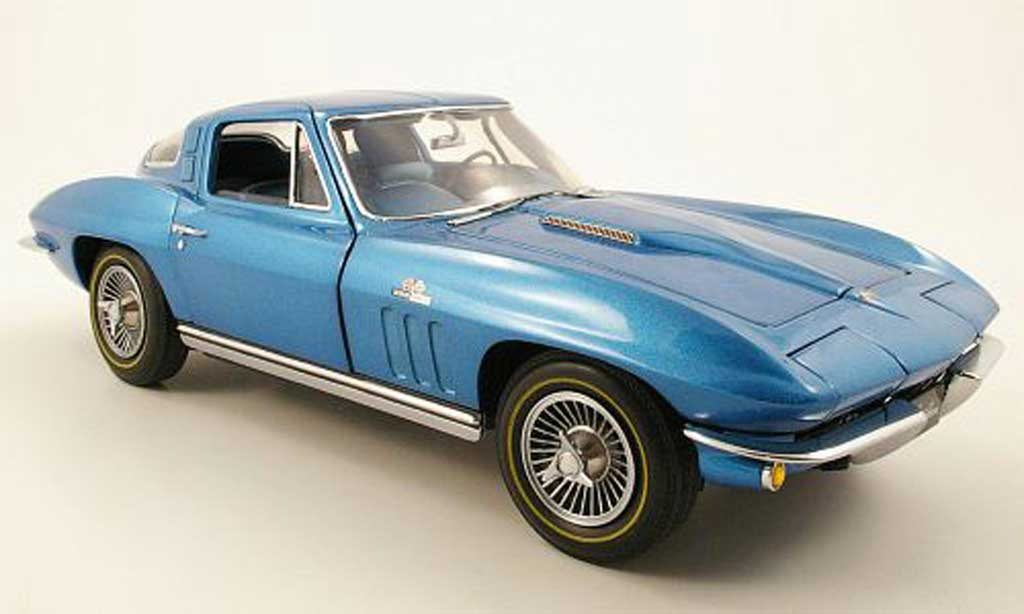 Chevrolet Corvette Stingray Miniature Coupe Bleu 1965 Gmp