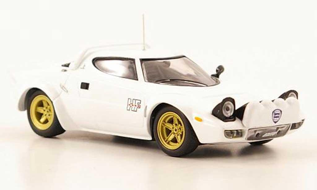 Lancia Stratos HF 1/43 IXO HF Stradale weiss 1975 modellautos