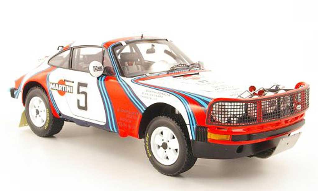 Porsche 930 SC 1/18 Spark SC 3.0 no.5 martini east afrika safari rallye 1978 b.waldegaard/h.thorszelius miniature