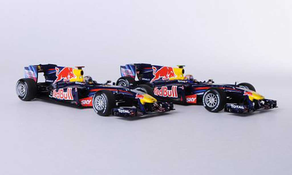 Red Bull F1 2010 1/43 Minichamps 2er-Set: Renault RB6 No.5 S.Vettel und No.6 M.Webber Konstrukteursweltmeister modellautos