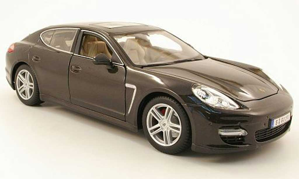 Porsche Panamera Turbo 1/18 Maisto turbo grise