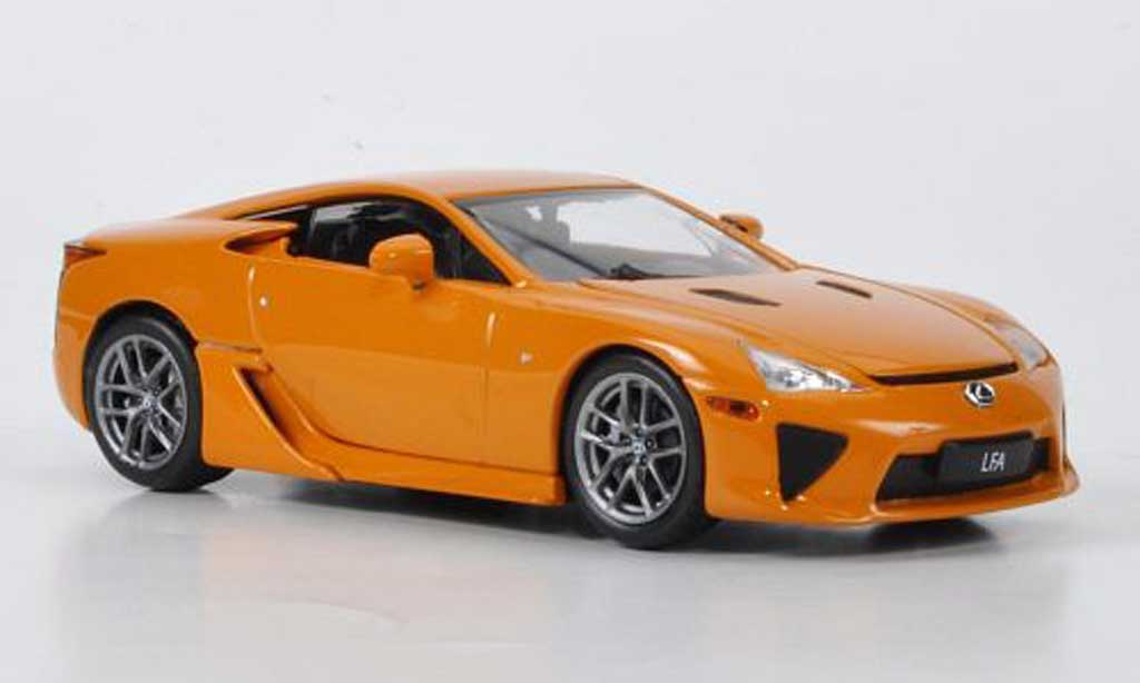 Lexus LFA 1/43 Minichamps orange 2011 miniature