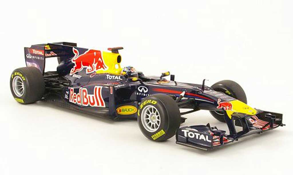 Renault F1 1/18 Minichamps red bull showcar no1 s.vettel presentations modele 2011 miniature