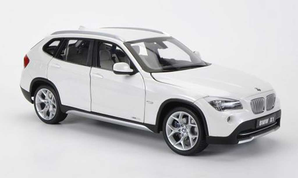 bmw x1 miniature voiture. Black Bedroom Furniture Sets. Home Design Ideas