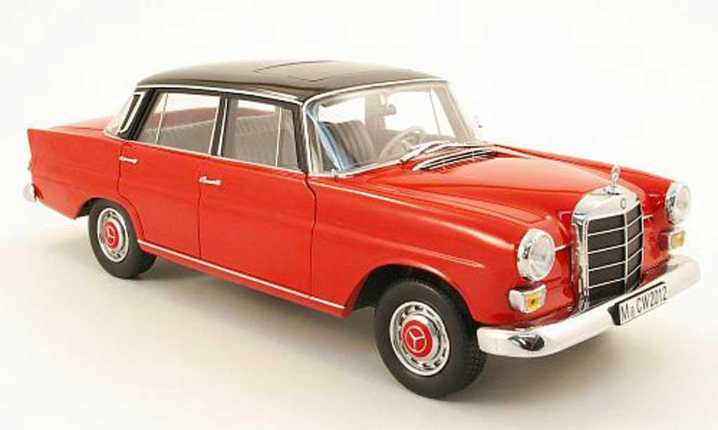 Mercedes 200 1/18 Norev (w110) rouge/noir 1966 miniature