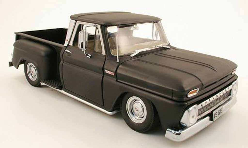 Chevrolet C-10 1/18 Sun Star pick up stepside lowrider mattnoire 1965 miniature