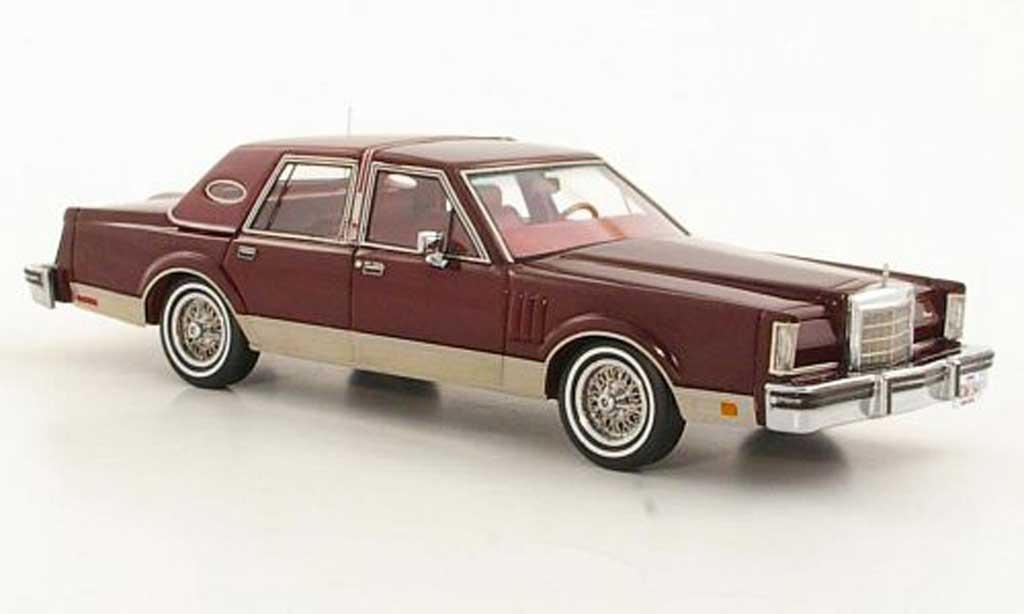 Lincoln Continental 1980 1/43 Neo Mark VI Sedan rouge miniature