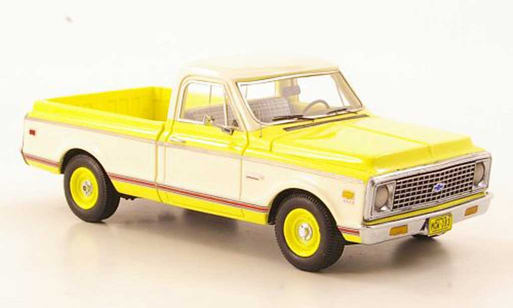 Chevrolet C-10 1/43 American Excellence jaune/blanche limited edition 1971 miniature