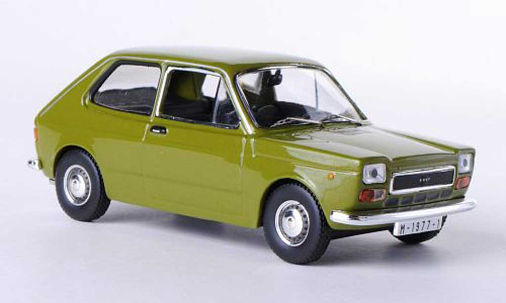 Seat 127 1/43 IXO grun 1974 miniature