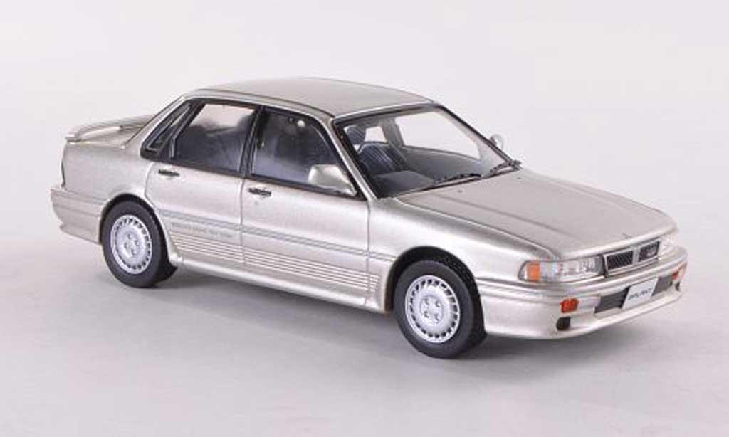 Mitsubishi Galant VR4 1/43 IXO grise  1987 miniature